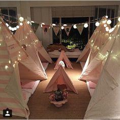 """""""Boa noite, com as cabanas lindas da @maemequer, perfeitas para uma festa do pijama!!  #kidspijamasparty #kidsslumberparty"""""""