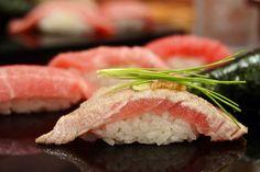 寿司 Sushi by Roberto Maxwell, via Flickr