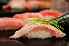 寿司 Sushi by Roberto Maxwell, via Flickr