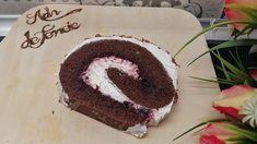 Ruladă din pandișpan umplută cu vișine și frișcă Doughnut, Cooking Recipes, Cake, Desserts, Food, Tailgate Desserts, Deserts, Chef Recipes, Kuchen