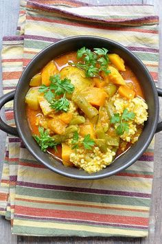 Thermomix przepisy Wegetariańskie curry z dynią #thermomix #curry Cooking, Ethnic Recipes, Food, Diet, Thermomix, Recipies, Kitchen, Essen, Meals