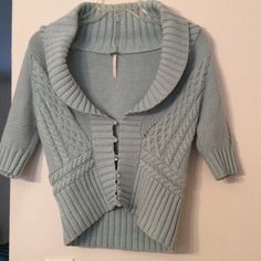 "Free People cropped cardigan Colorful buttons and a playful cable knit make this Free People sweater one you'll reach for again and again. Cotton/nylon blend. Underarm across 16"". Length range 17"" - 21"". Bundle for even bigger savings! No trades. Free People Sweaters Cardigans"