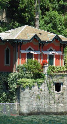 Lago di Como, Italy Places Around The World, Oh The Places You'll Go, Places To Travel, Places To Visit, Around The Worlds, Lake Como Italy, Italian Lakes, Places In Italy, Italian Villa