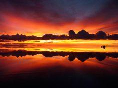Uyuni salt lake in Bolivia. ボリビア ウユニ塩湖 【夕焼け】