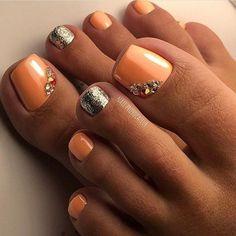 ❤Pretty toe nail art design idea. Peach nail polish gold glitter and stones love the combo! #nailart #unas