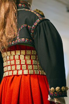 Detail from old Norwegian national costumes. The collection of Rikard Berge and from the exebition at Seljord of old costumes from Telemark county, Norway Traditional Dresses, Traditional Art, Folklore, Folk Costume, Costumes, Norwegian Vikings, Norway, Retro Vintage, Textiles