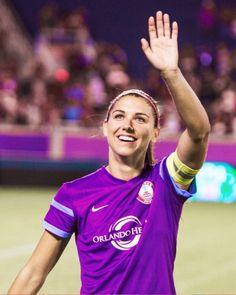 Captain Morgan Female Football Player, Good Soccer Players, Play Soccer, Soccer Girls, Soccer Stuff, Carli Lloyd, Orlando Pride, Captain Morgan, Soccer League