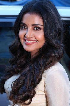 Gorgeous Indian Girl Anupama Parameswaran Beautiful Long Hair Face Closeup