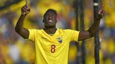 Ecuador recupera a Felipe Caicedo para medirse a Brasil y Perú
