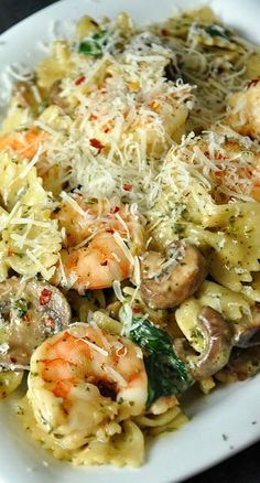 Shrimp and Veggie Pesto Pasta