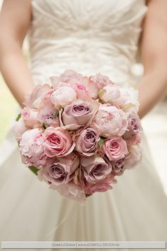 Bridal bouquet with roses and peonies – Wedding Flowers Romantic Wedding Colors, Mauve Wedding, Dream Wedding, Wedding Day, Wedding Ring, Bridal Bouquet Pink, Bride Bouquets, Bridal Flowers, Deco Floral