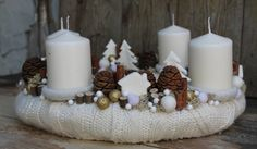 Fehér adventi koszorú White Christmas, Christmas Crafts, Xmas, Candle Sconces, Pillar Candles, Projects To Try, Wall Lights, Table Decorations, My Favorite Things