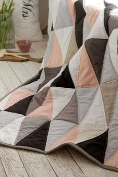 narzuta patchwork trójkąty, by dom artystyczny