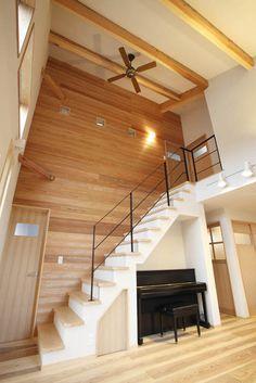 野沢工務店|大空間リビングの家 Architecture, Stairs, Stair Case, Design, Home Decor, Arquitetura, Living Room Ideas, Dekoration, House