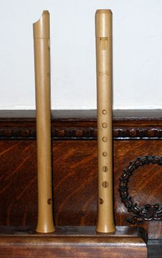 Medieval Instruments... and a Recorder Renaissance Music, Medieval Music, Wooden Flute, Woodwind Instrument, Hurdy Gurdy, Tin Whistle, Pyrography Patterns, Early Music, Musical Instruments