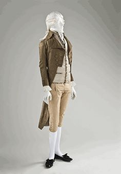 Man's Coat, 1790–1795. NB. The museum offers the pattern for this as a free download if you would like to make it.