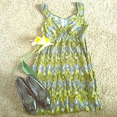 Summer dress  ☀️Cute, summer dress! ☀️ Excellent condition. 100% rayon. ☀️Yellow, black and white. ☀️ Speechless Dresses Midi