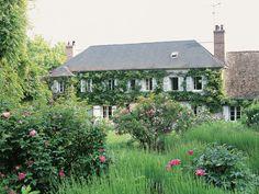 Lou Lou de la Falaise garden at her country house in Boury-en-Vexin. photo Gwendoline Bemberg via T magazine