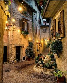 This street in Lombardy, Italy Oh The Places You'll Go, Places To Travel, Travel Destinations, Vila Medieval, Beautiful World, Beautiful Places, Wonderful Places, Destination Voyage, Dream Vacations
