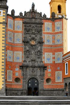 San Francisco Church    Puebla Mexico- Nobody mentions that old frank is still inside and he looks plastic!