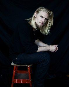 Caspar Peteus - he looks like Eileifr if Eileifr trimmed his beard, shortened his hair and wore jeans ; Beautiful Long Hair, Beautiful Boys, Gorgeous Men, Long Hair Beard, Tan Guys, Vampire, Long Locks, Men's Grooming, Attractive Men
