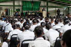 Chef adjoint #MINUSTAH C. Alexandre dialogue avec 500 jeunes Cité Soleil #Haiti https://www.flickr.com/photos/minustah/sets/72157643322595543/… @SOLEYmedia pic.twitter.com/29wNUpN2zO
