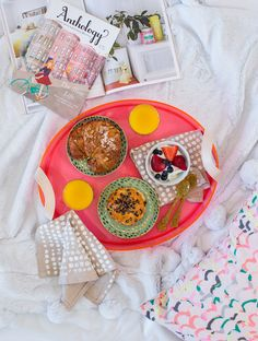 breakfast in bed made easy (and cute!)