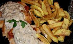 Reteta de escalop de pui cu ciuperci este una usor de preparat si rapida, fiind in acelasi timp un fel de mancare destul de elegant pentru o masa speciala. Carne, Food And Drink, Meat, Chicken, Recipes With Chicken, Recipies, Cubs