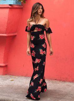 maxi-black-floral-dress-street-style