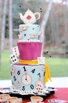 Alice in wonderland cake Mad Hatter Cake, Mad Hatter Tea, 2 Birthday, Cool Birthday Cakes, Alice In Wonderland Birthday, Alice In Wonderland Tea Party, Beautiful Cakes, Amazing Cakes, Alice Tea Party
