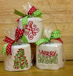 Do you go ALL out for Christmas? Every square inch of your house decorated...except your bathroom?!    Or what about a gift for a person who has