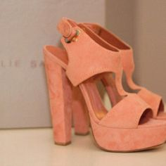 Love these coral wedges!