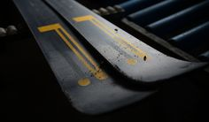 New York, USA– Pirelli and Blossom, aleader in handmade high performance skis, have partnered to launch skis dedicated to the most demanding skiers.Crafted in the Blossom workshops in Val Chiavenna in collaboration with Pirelli engineers,