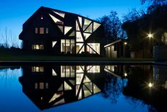 A new hat // EXTENSION OF VILLA ROTTERDAM // OOZE ARCHITECTS