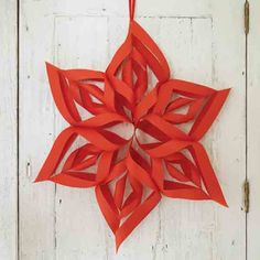 21 DIY Christmas Paper Decorations - The Sassaby Party Co. Diy Christmas Paper Decorations, How To Make Decorations, Paper Christmas Ornaments, Diy Christmas Tree, Ornament Crafts, Christmas Stars, White Christmas, Navidad Diy, 242