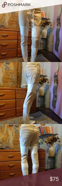 ?? Free People Color Block Jeans Sold Online For A Short Time frim FP.  Very Nice Detail.  Lighter jean.   Perfect for Spring Summer & Fall.  ?No Trades ?No Lowballets Free People Pants Skinny