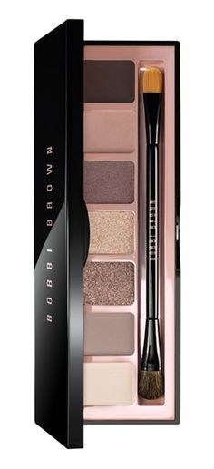 This Bobbi Brown eye palette includes so many gorgeous colors for endless looks.