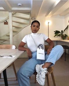 Image in Outfits 🛍 collection by Zoé on We Heart It Trendy Outfits, Summer Outfits, Girl Outfits, Fashion Outfits, Beach Outfits, Trendy Jeans, Chic Outfits, Fashion Trends, Black Girl Fashion