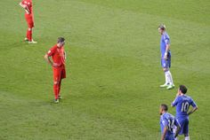 @Liverpool FC Captain Steven Gerrard looks with disdain at Fernando Torres during the match with Chelsea at Stamford Bridge #LFC