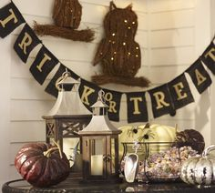 Trick Or Treat Banner Pottery Barn Halloween 2013 Happy Halloween Banner, Fröhliches Halloween, Rustic Halloween, Outdoor Halloween, Holidays Halloween, Halloween Pumpkins, Halloween Decorations, Fall Decorations, Halloween Signs