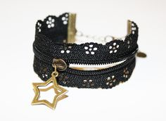 Here is another clever zipper/bracelet design. So chic ^. Zipper Bracelet, Zipper Jewelry, Lace Jewelry, Fabric Jewelry, Jewelry Crafts, Jewelry Bracelets, Diy Zipper Crafts, Homemade Jewelry, Designer Earrings