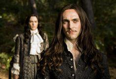 """C'est la série française la plus chère jamais réalisée. Ce lundi, """"Canal+"""" lance """"Versailles"""", une vision très rock 'n' roll de la Cour de Louis XIV. Notre avis."""