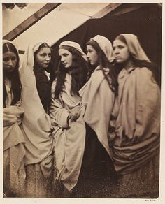 The Five Foolish Virgins, 1864 -- Early Portrait Photography from the Victorian Era by Julia Margaret Cameron Julia Margaret Cameron Photography, Julia Cameron, History Of Photography, Portrait Photography, Museum Photography, Vintage Photographs, Vintage Photos, Antique Photos, Getty Museum