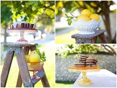 I love cake platters!