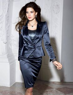 The beauty and classic elegance of women's fashion. Satin Pencil Skirt, Satin Skirt, Satin Dresses, Nice Dresses, Amazing Dresses, Hot Outfits, Skirt Outfits, Classy Outfits, Dress Skirt