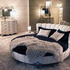 For today I have selected some cool bedrooms with round beds that will make you say WOW. For ages, round beds have been associated with royalty, music icons Bedroom Bed Design, Cozy Bedroom, Bedroom Sets, Modern Bedroom, Bedroom Decor, Bedroom Frames, Bedding Decor, Bedroom Vintage, Dream Rooms