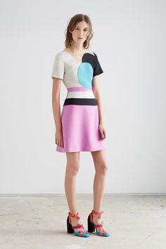 Coleção geométrica e colorida de ao Roksanda Ilincic inspirada no cubismo;