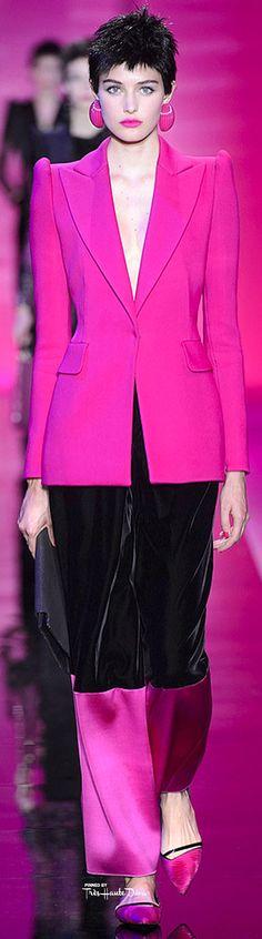 Fall 2015 Couture at Armani Privé told the tale of Giorgio Armani and the Technicolor Dream Collection. Giorgio Armani, Armani Collection, Couture Collection, Armani Prive, Milan Fashion, Fashion Show, Paris Mode, Glam Rock, Pink Fashion