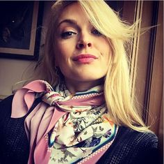 Ways To Wear A Scarf, How To Wear Scarves, Silk Neck Scarf, Fearne Cotton, Holly Willoughby, Neck Scarves, Country Chic, Silk Satin, Beautiful People