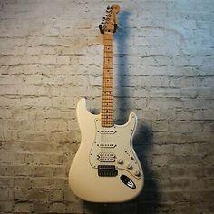 Fender Stratocaster Mexico, Fender Stratocaster Sunburst, Stratocaster Guitar, Fender Guitars, American Standard Stratocaster, Fender American Standard, Vintage Electric Guitars, Vintage Guitars, Eric Clapton Guitar